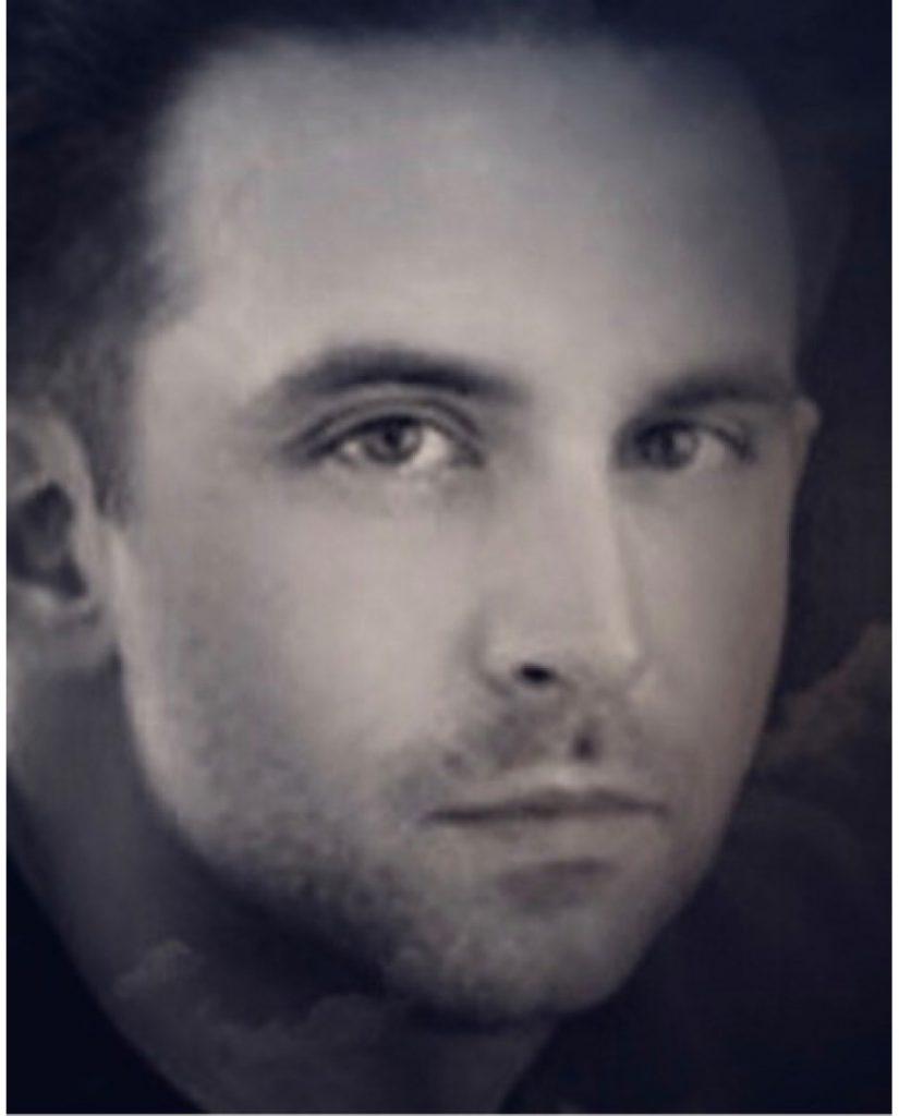 <b><i>David Alexanian</i><b />